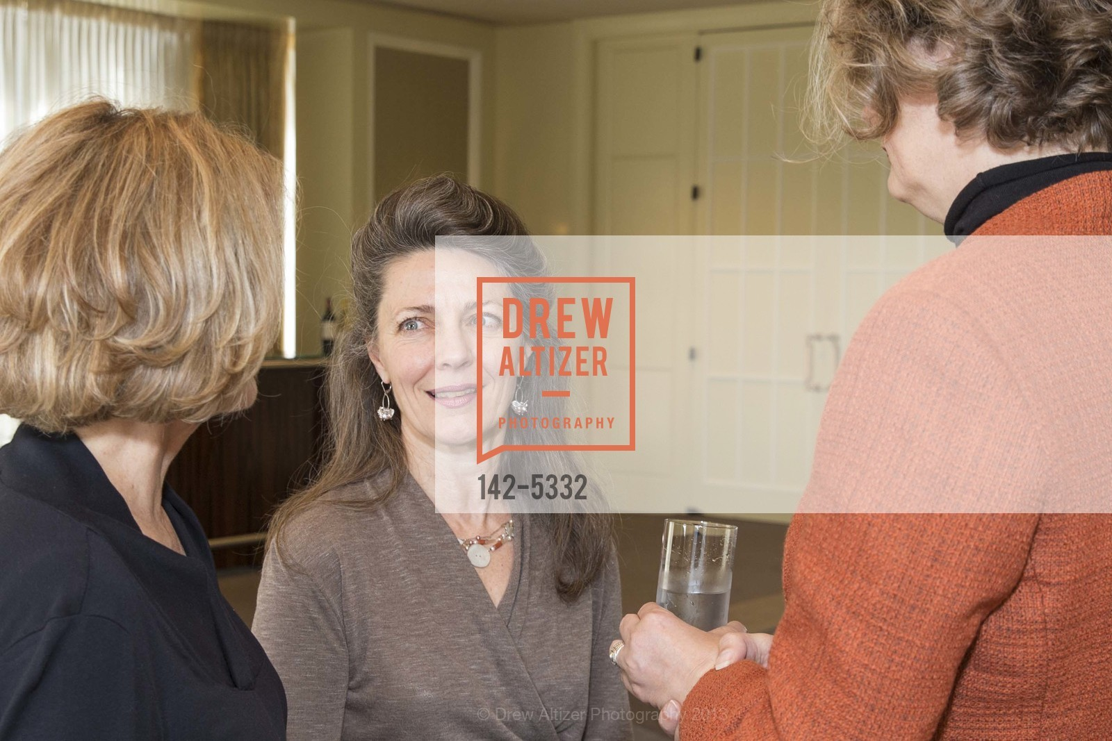 Diane Hoge, Melissa Smith, Photo #142-5332