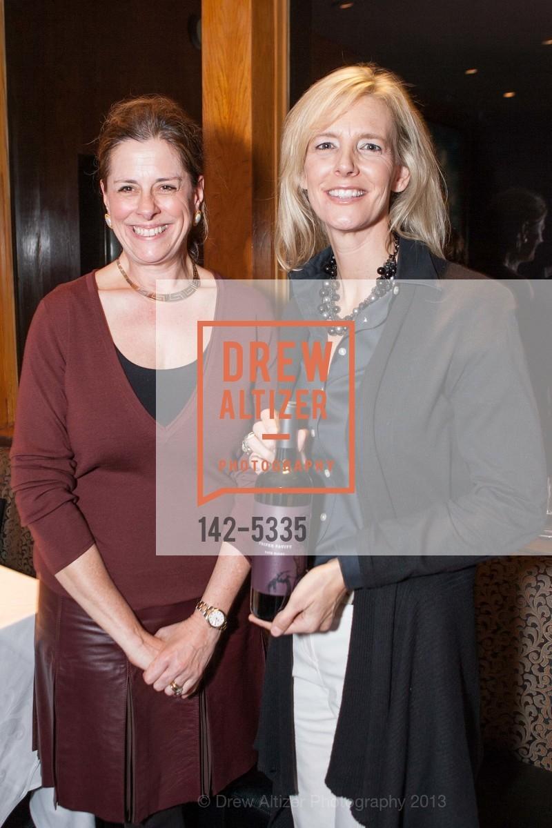 Susan Citron, Suzanne Phifer Pavitt, Photo #142-5335