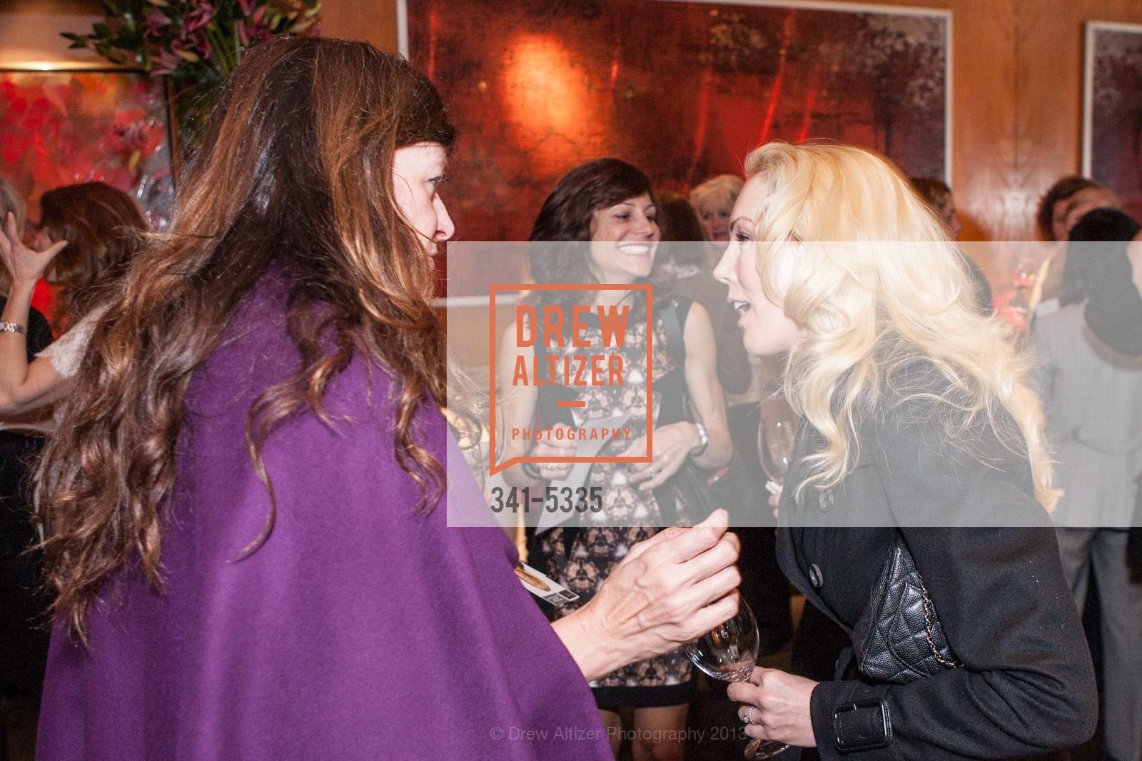 Lisa Considine, Stefanie Skinner, Photo #341-5335