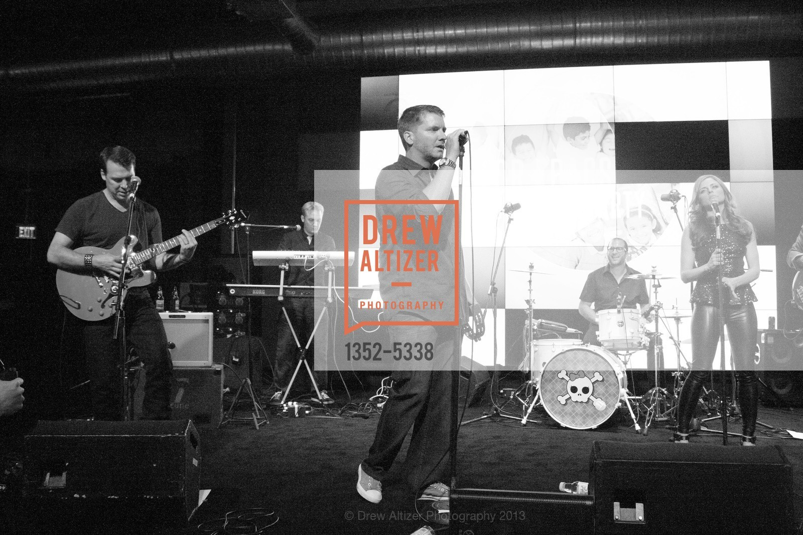 Performance By Coverflow, Photo #1352-5338