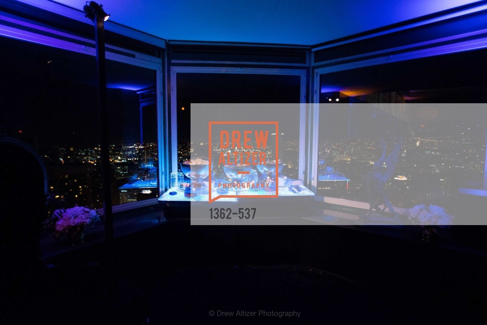 Atmosphere, TOP OF THE MARK'S 75TH Anniversary Party, US, November 6th, 2014,Drew Altizer, Drew Altizer Photography, full-service agency, private events, San Francisco photographer, photographer california