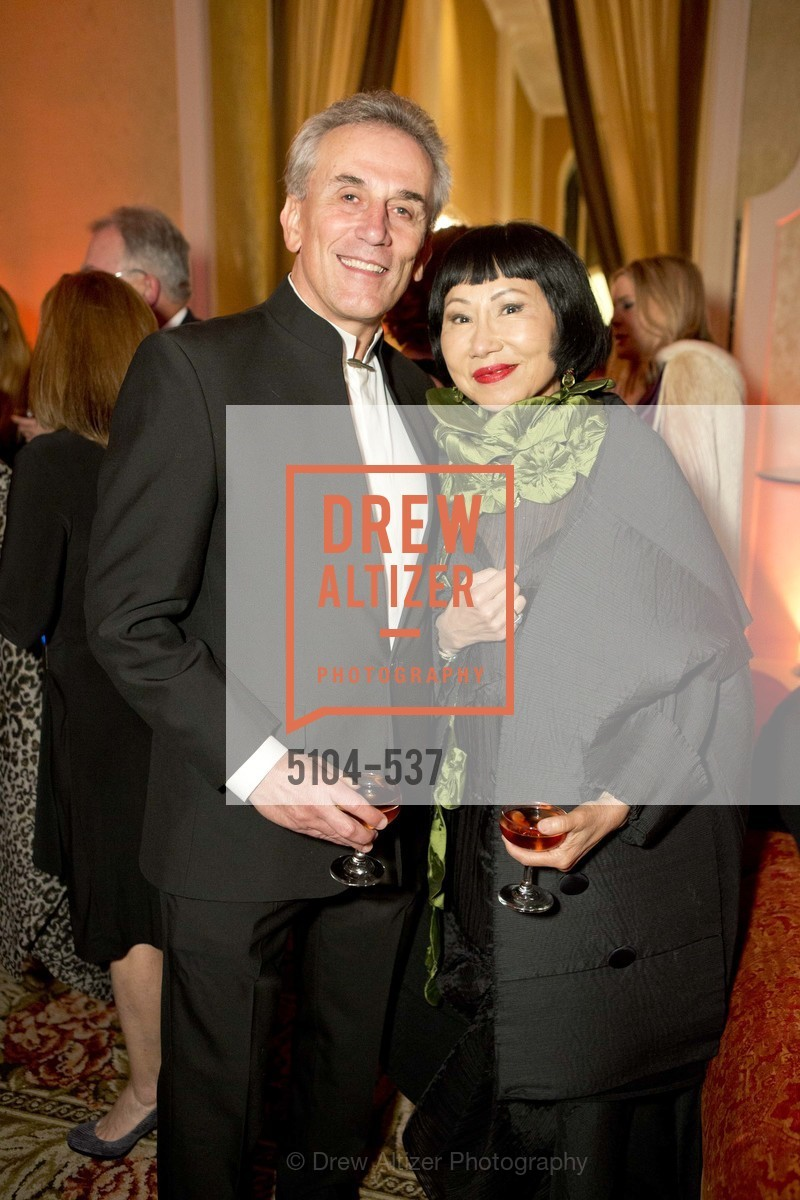 Lou DeMattei, Amy Tan, TOP OF THE MARK'S 75TH Anniversary Party, US, November 7th, 2014,Drew Altizer, Drew Altizer Photography, full-service agency, private events, San Francisco photographer, photographer california