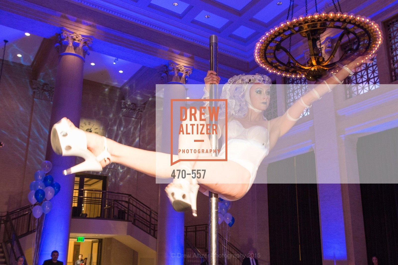 Performance, Cirque du Soiree 2015, The Bentley Reserve. 2525 Van Ness St, November 19th, 2015,Drew Altizer, Drew Altizer Photography, full-service agency, private events, San Francisco photographer, photographer california