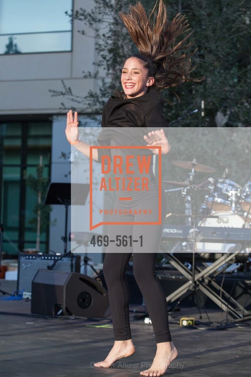 Performance, UCSF Medical Center HARD HAT WALK & LIGHTS ON FESTIVAL, US, September 6th, 2014,Drew Altizer, Drew Altizer Photography, full-service agency, private events, San Francisco photographer, photographer california