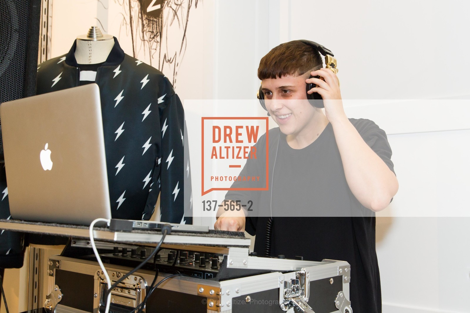 DJ Kelly Nyland, GLAAD GALA Kick-Off Party Hosted by SAKS FIFTH AVENUE, Saks Fifth Avenue. 384 Post Street, September 12th, 2014,Drew Altizer, Drew Altizer Photography, full-service agency, private events, San Francisco photographer, photographer california