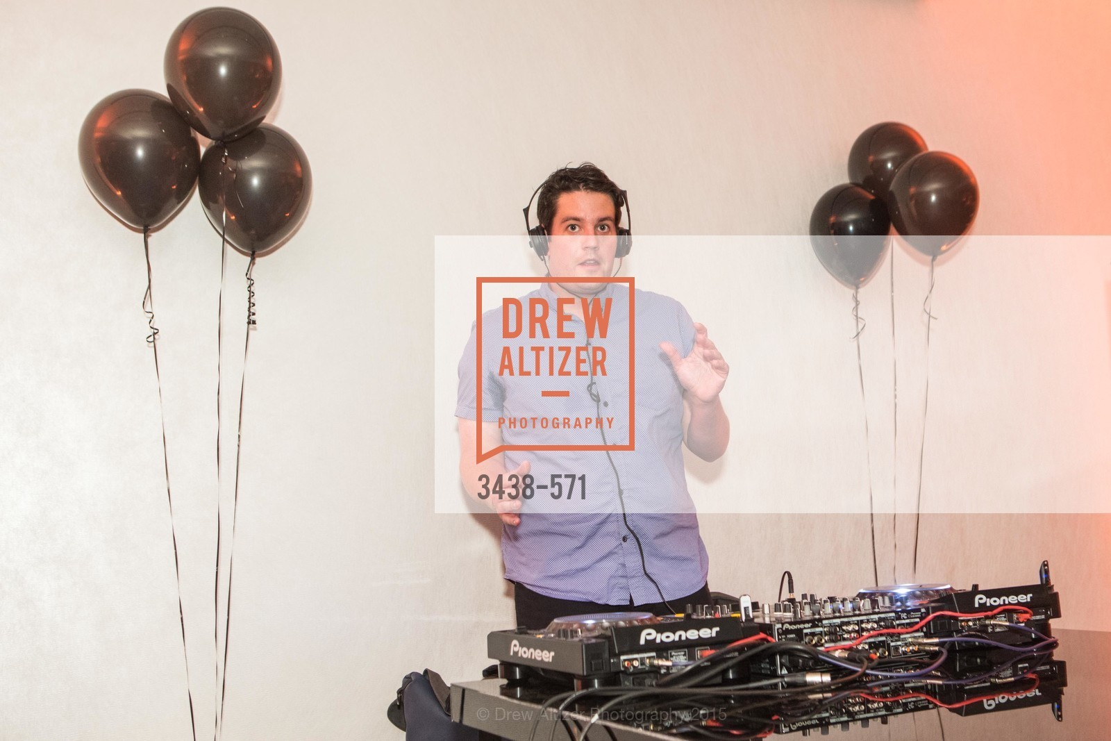 Dj, The 10th Annual San Francisco Social, W Hotel. 181 3rd St, November 21st, 2015,Drew Altizer, Drew Altizer Photography, full-service agency, private events, San Francisco photographer, photographer california