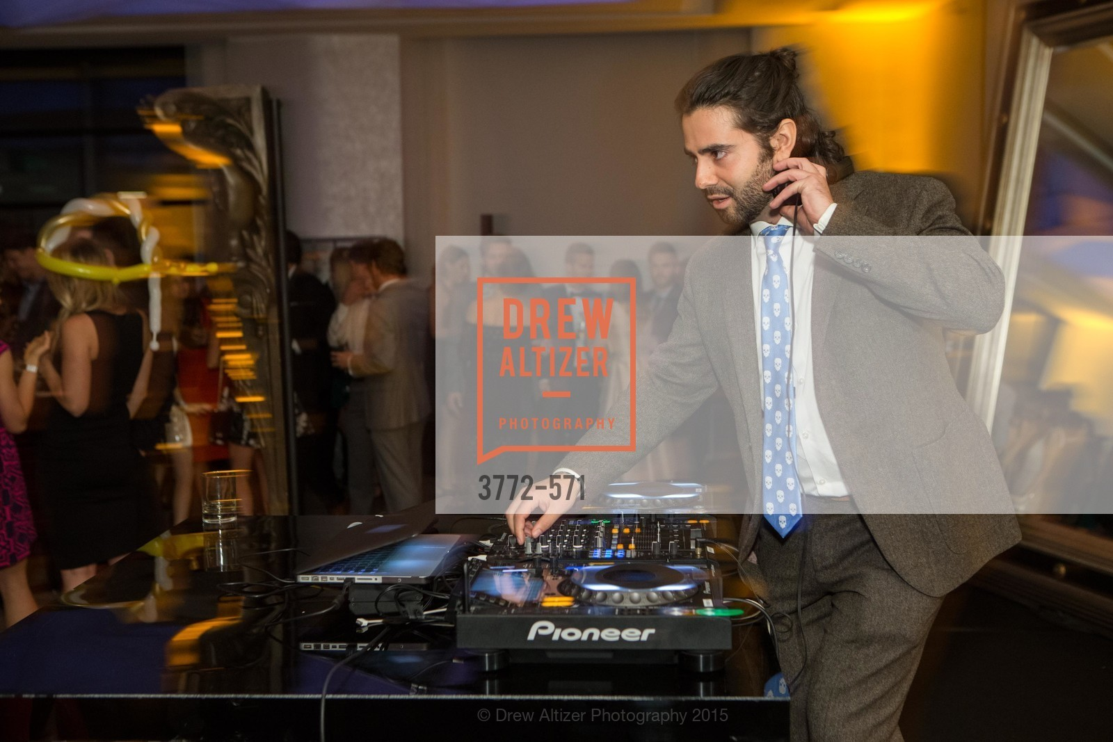 Austin Afridi, The 10th Annual San Francisco Social, W Hotel. 181 3rd St, November 21st, 2015,Drew Altizer, Drew Altizer Photography, full-service agency, private events, San Francisco photographer, photographer california