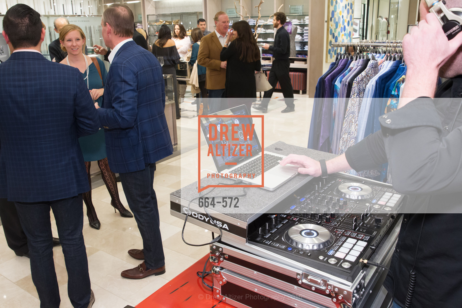Atmosphere, Neiman Marcus Walnut Creek welcomes neighbors ROOFTOP and Teleferic Barcelona, Neiman Marcus. 1000 South Main Street, November 20th, 2015,Drew Altizer, Drew Altizer Photography, full-service agency, private events, San Francisco photographer, photographer california