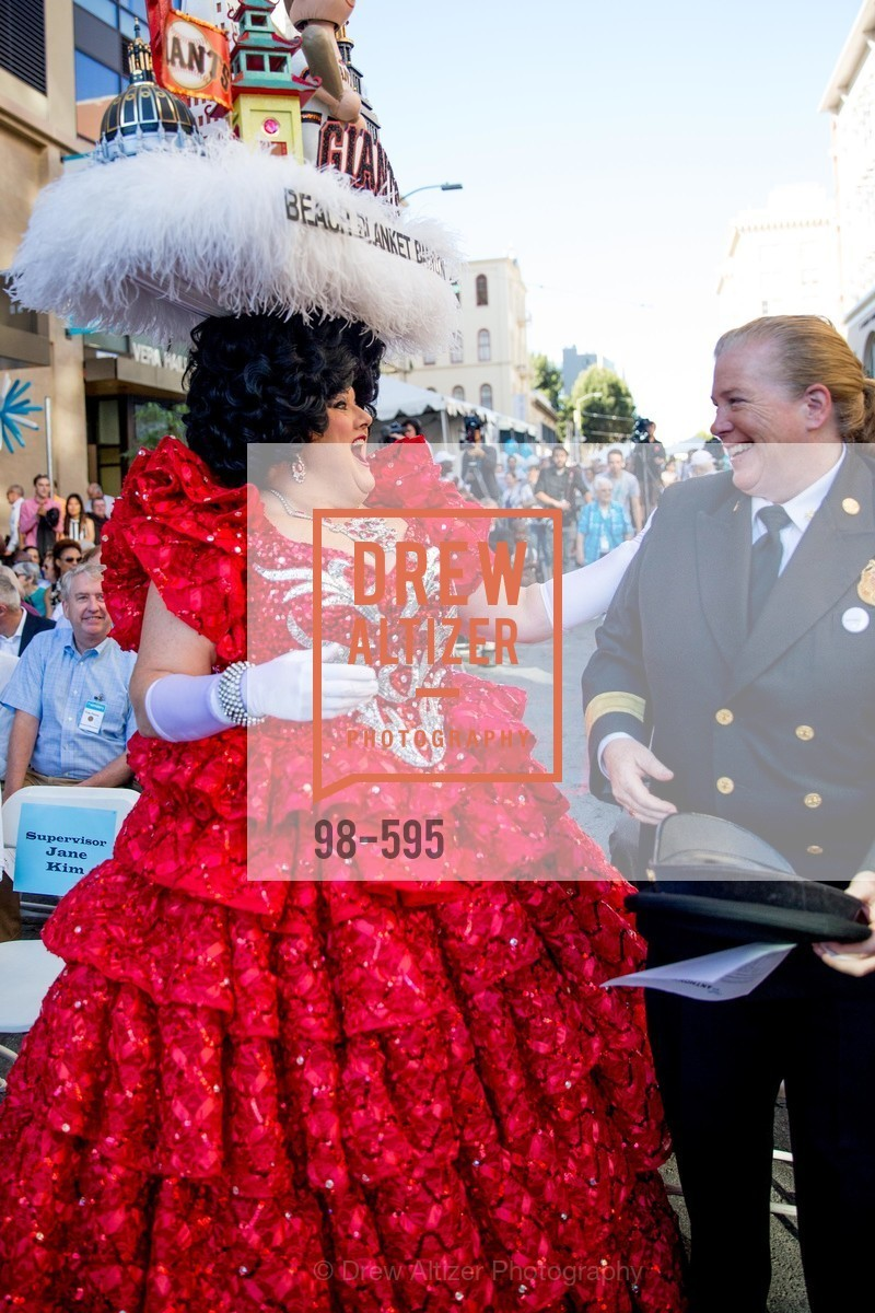 Beach Blanket Babylon, Joanne Hayes-White, ST. ANTHONY'S Dining Room Ribbon Cutting Ceremony, US, October 4th, 2014,Drew Altizer, Drew Altizer Photography, full-service agency, private events, San Francisco photographer, photographer california