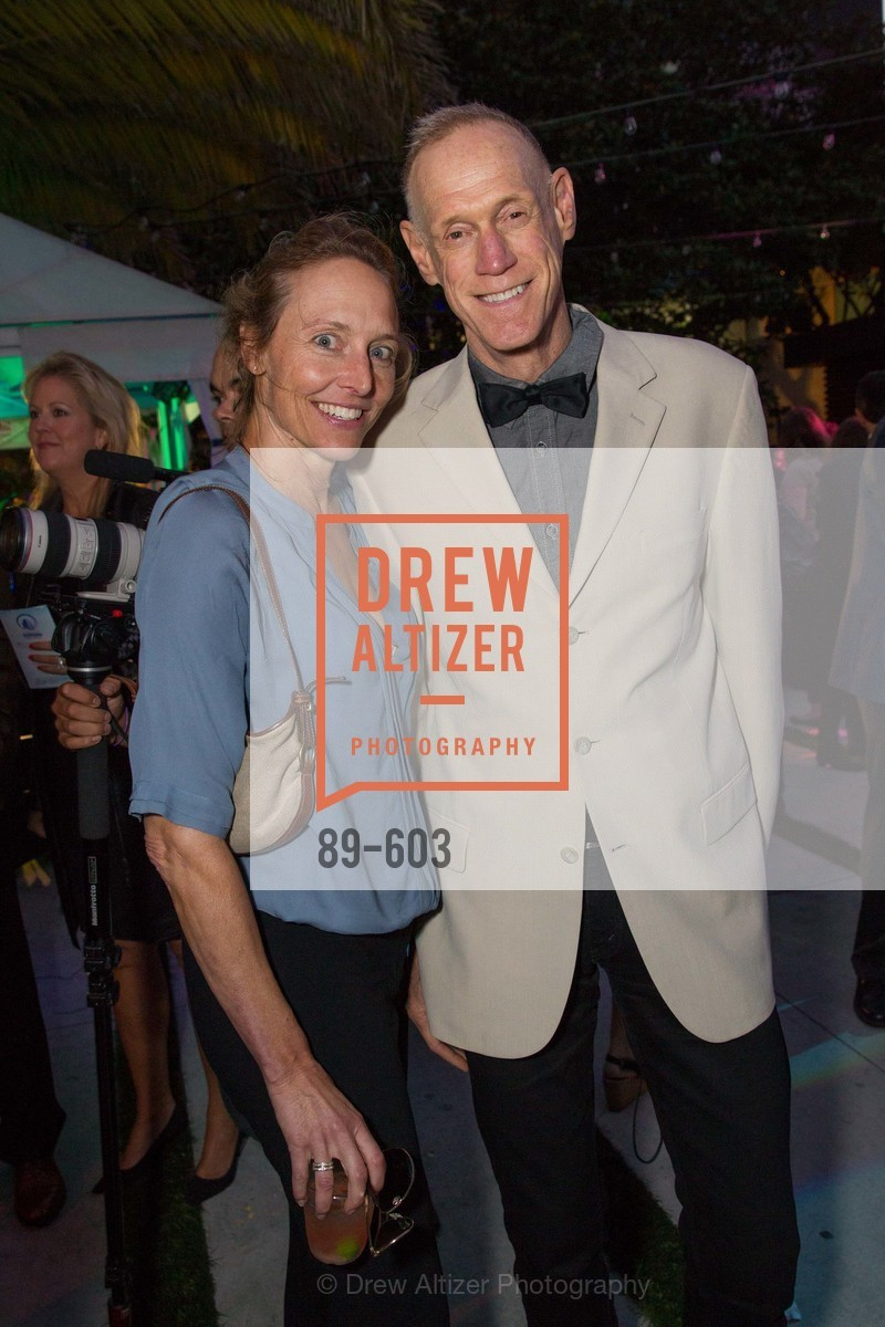Nicole Brown, Tom Kelley, 22nd Annual TNDC CELEBRITY POOL TOSS, US, October 9th, 2014,Drew Altizer, Drew Altizer Photography, full-service event agency, private events, San Francisco photographer, photographer California
