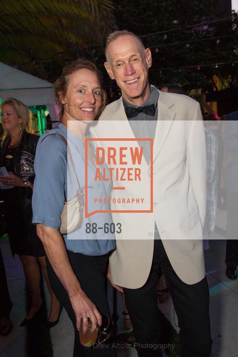 Nicole Brown, Tom Kelley, 22nd Annual TNDC CELEBRITY POOL TOSS, US, October 8th, 2014,Drew Altizer, Drew Altizer Photography, full-service agency, private events, San Francisco photographer, photographer california