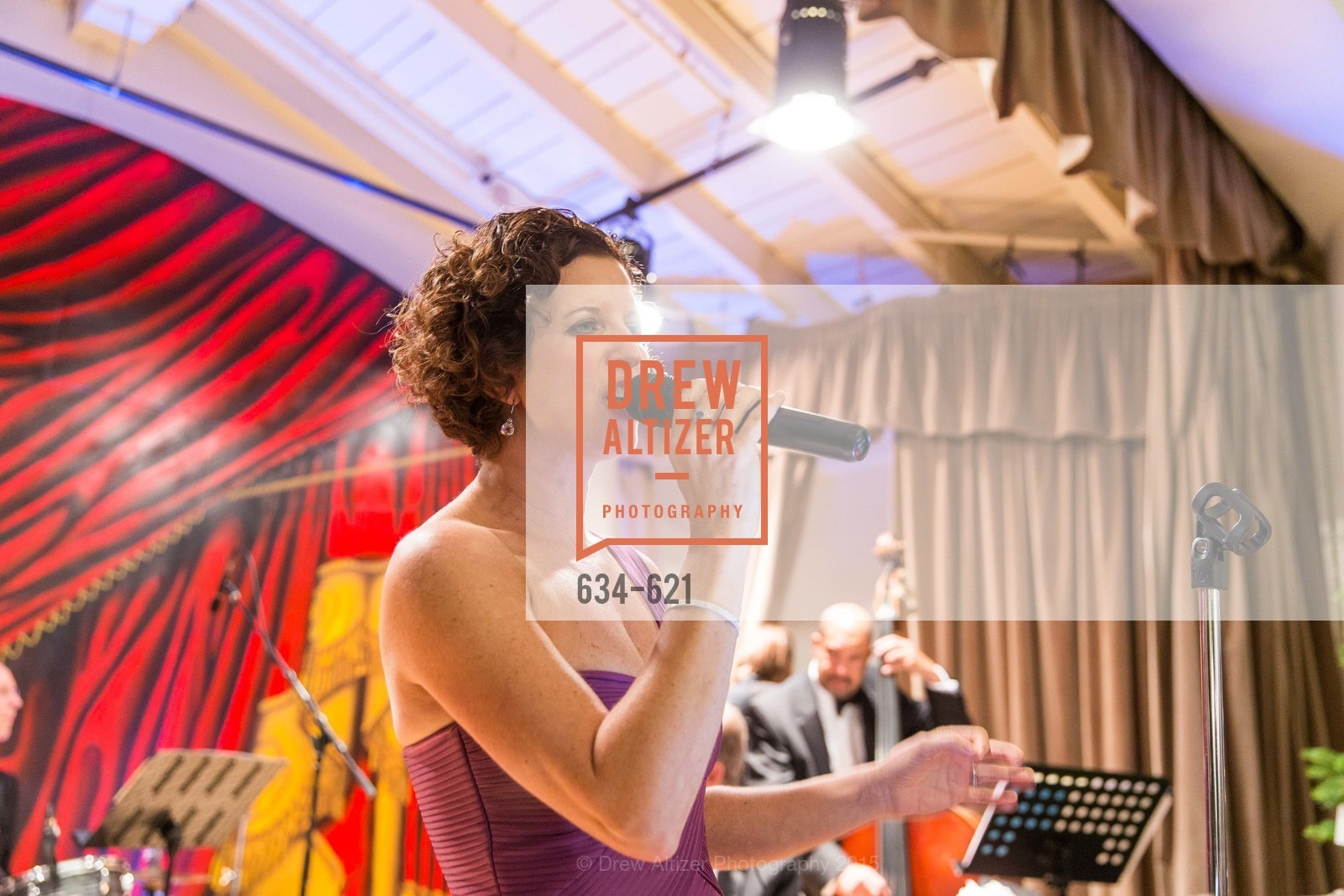 Performance, Children of Shelters' Jingle and Mingle, Golden Gate Club. 135 Fisher Loop, December 3rd, 2015,Drew Altizer, Drew Altizer Photography, full-service agency, private events, San Francisco photographer, photographer california