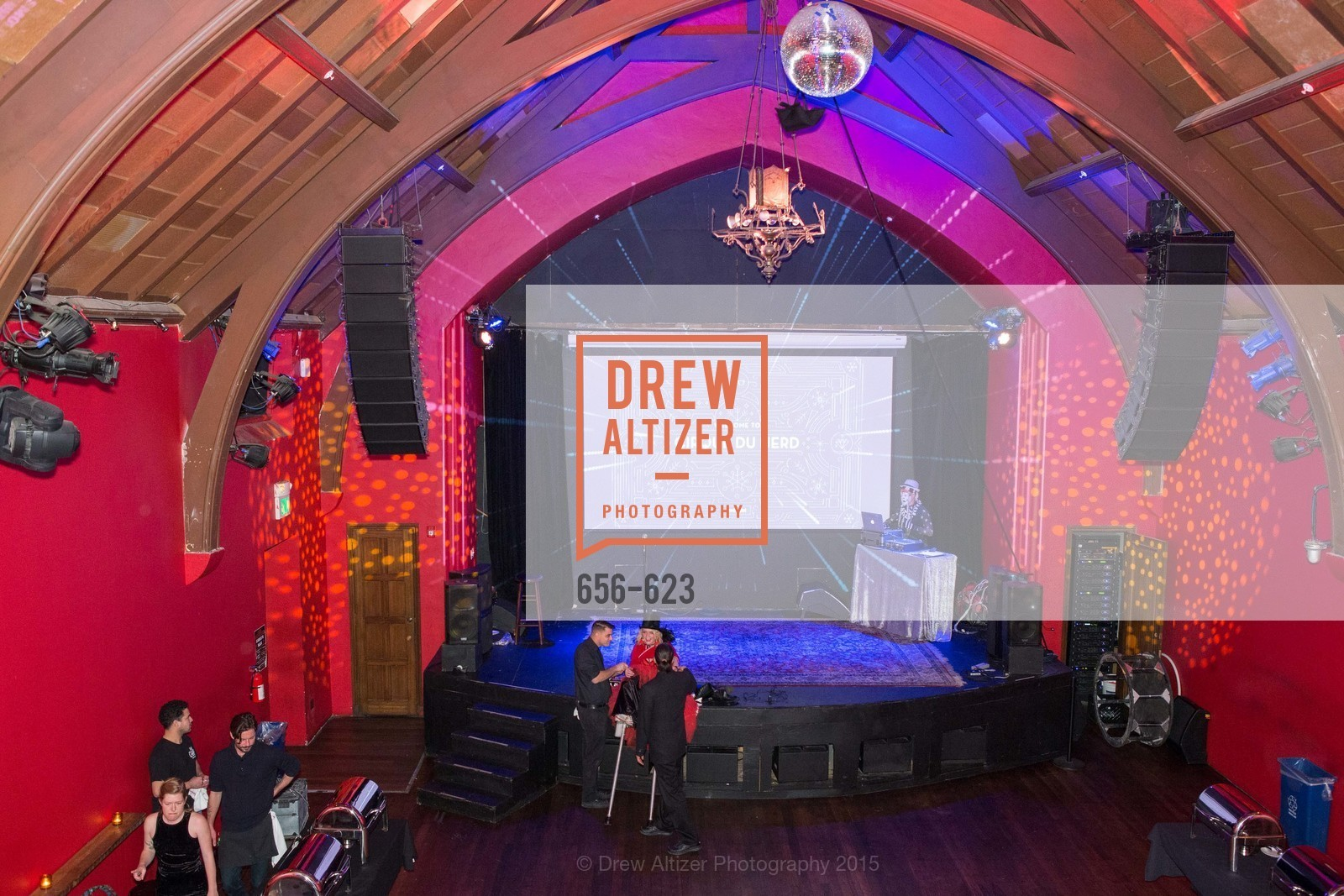 Atmosphere, NerdWallet's Cirque Du Nerd, December 4th, 2015, Photo,Drew Altizer, Drew Altizer Photography, full-service agency, private events, San Francisco photographer, photographer california