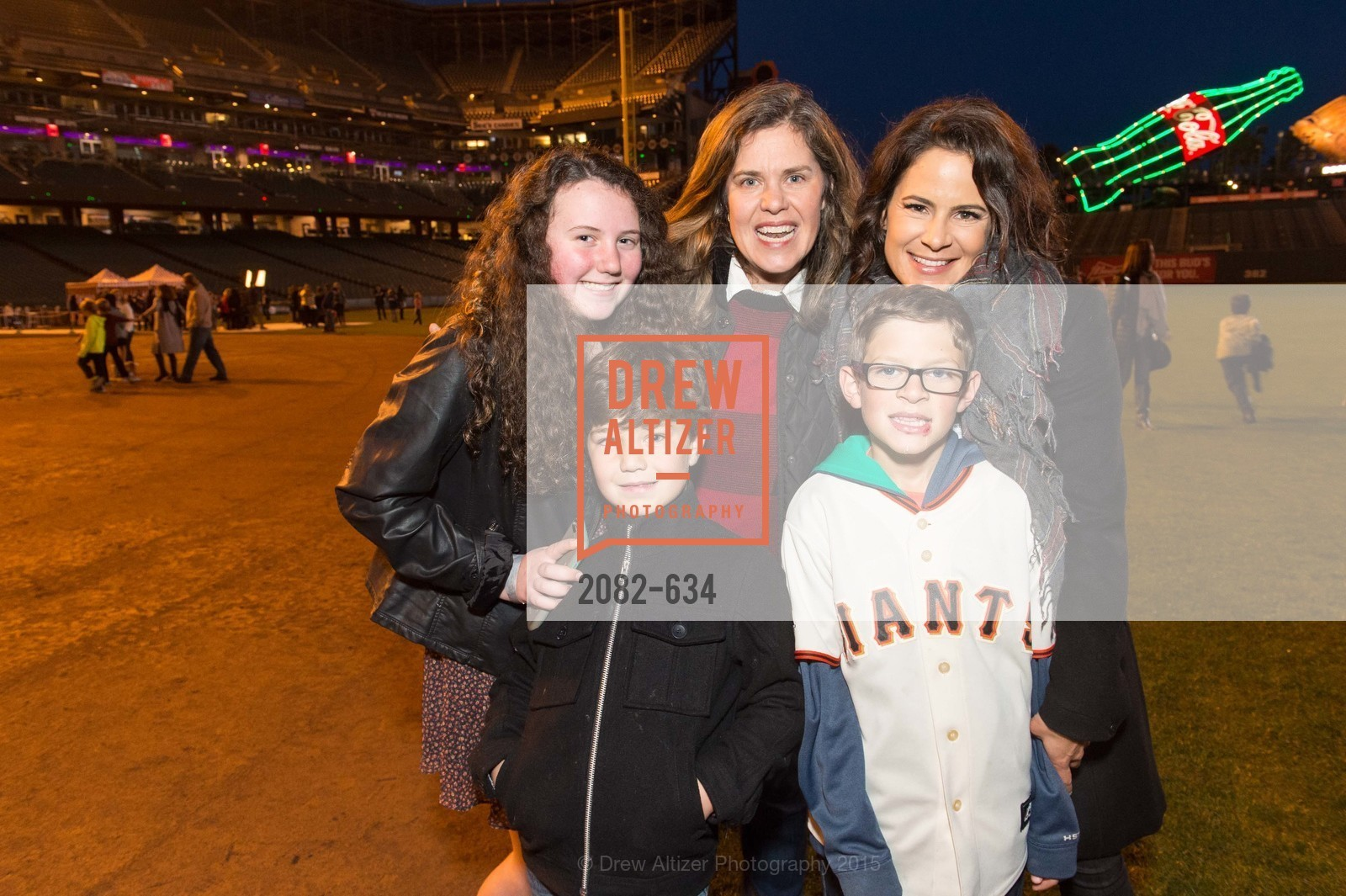Carter Considine, Christine Considine, Carolyn Considine, Sawyer Reicher, Wendy Reicher, Holiday Heroes 2015, AT&T Park, December 7th, 2015,Drew Altizer, Drew Altizer Photography, full-service agency, private events, San Francisco photographer, photographer california