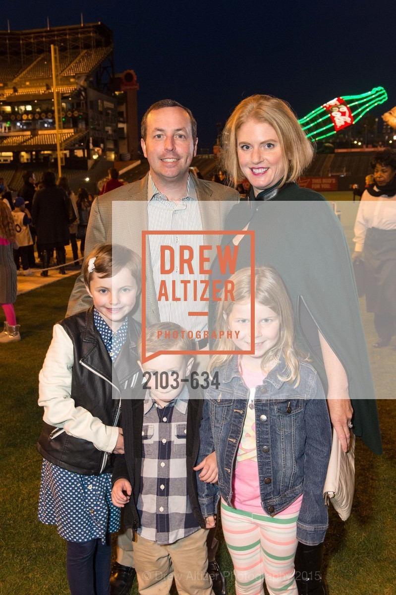 Will Bartlett, Ella Bartlett, Willie Bartlett, Tatum Bartlett, Jamie Bartlett, Holiday Heroes 2015, AT&T Park, December 7th, 2015,Drew Altizer, Drew Altizer Photography, full-service agency, private events, San Francisco photographer, photographer california