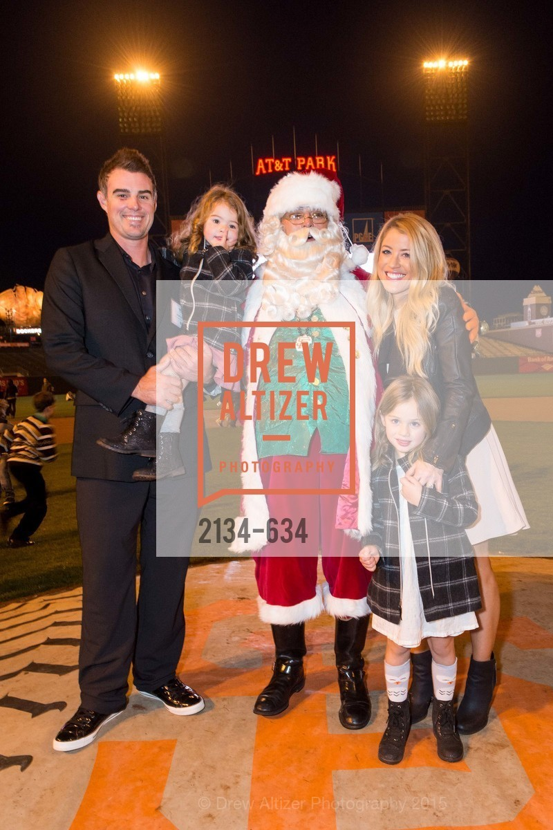 Andrea Lowrey, Averly Lowrey, Aniston Lowrey, Mela Lowrey, Holiday Heroes 2015, AT&T Park, December 7th, 2015,Drew Altizer, Drew Altizer Photography, full-service agency, private events, San Francisco photographer, photographer california