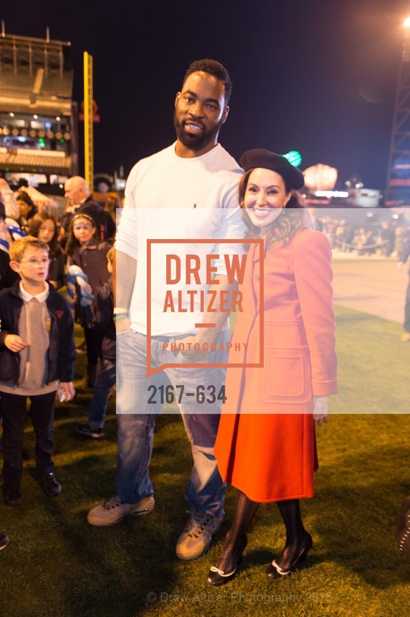 Justin Tuck, Marybeth Lamotte, Holiday Heroes 2015, AT&T Park, December 7th, 2015,Drew Altizer, Drew Altizer Photography, full-service event agency, private events, San Francisco photographer, photographer California