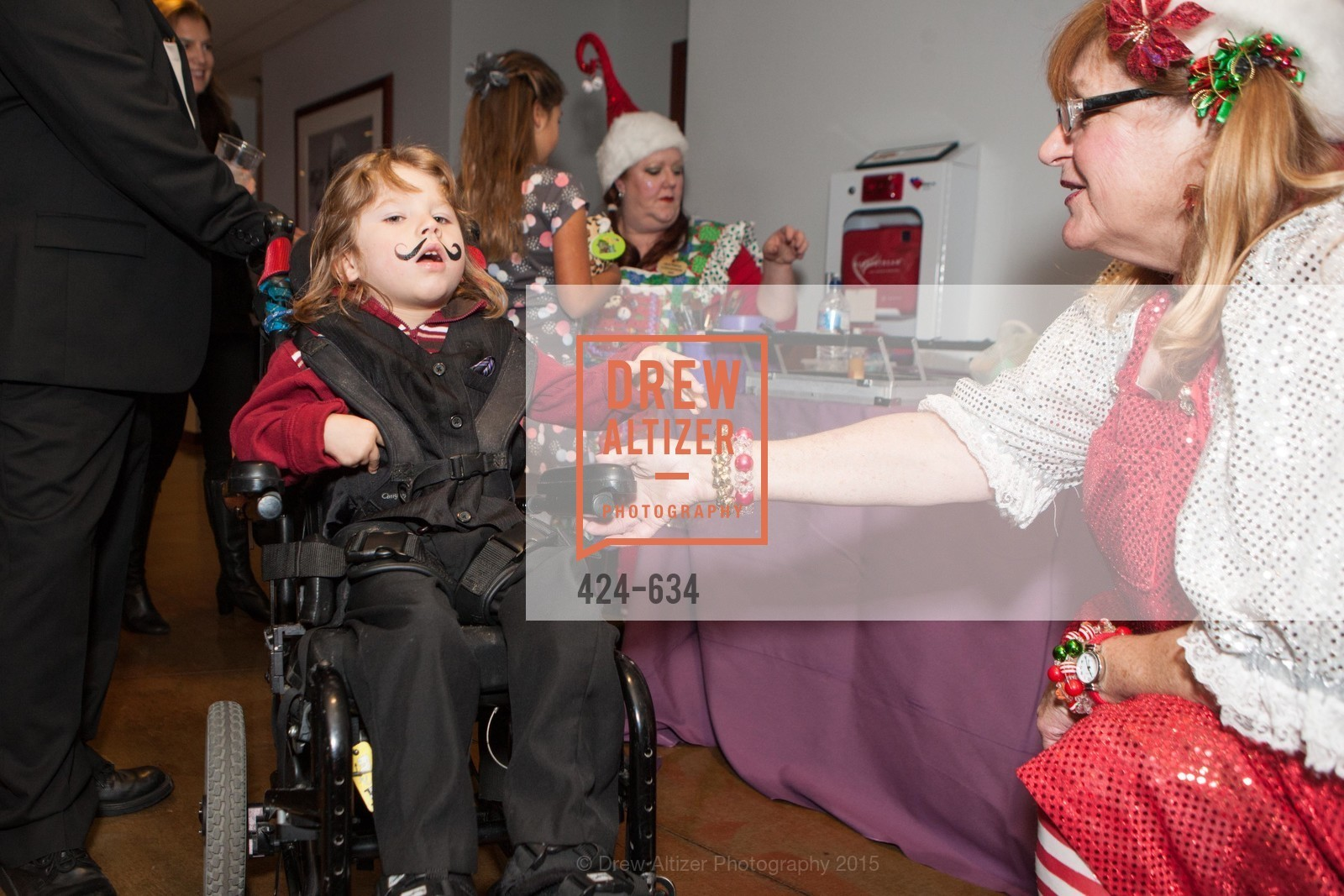Dinnie McLaughlin, Holiday Heroes 2015, AT&T Park, December 7th, 2015,Drew Altizer, Drew Altizer Photography, full-service event agency, private events, San Francisco photographer, photographer California