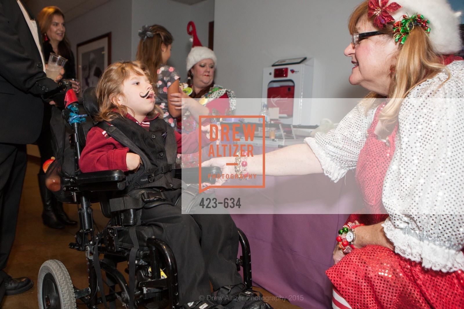 Dinnie McLaughlin, Holiday Heroes 2015, AT&T Park, December 7th, 2015,Drew Altizer, Drew Altizer Photography, full-service agency, private events, San Francisco photographer, photographer california