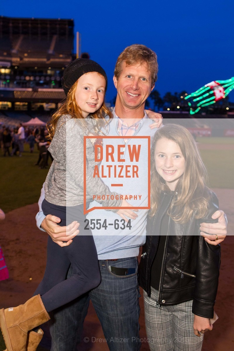 Payton Spaht, Holden Spaht, Eliza Spaht, Holiday Heroes 2015, AT&T Park, December 7th, 2015,Drew Altizer, Drew Altizer Photography, full-service agency, private events, San Francisco photographer, photographer california
