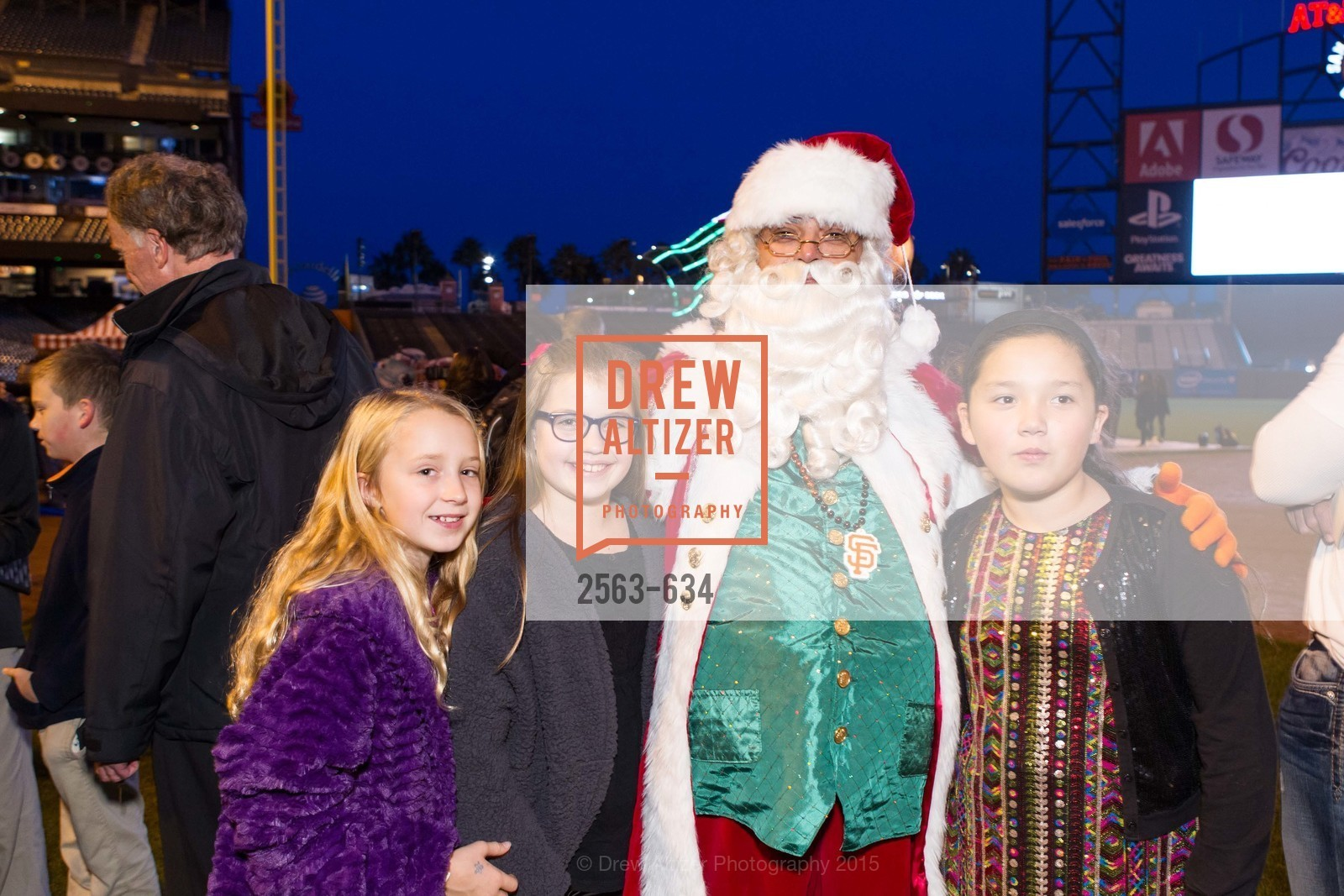 Sophie Weston, Sarah McCarthy, Tess Gundacker, Holiday Heroes 2015, AT&T Park, December 7th, 2015,Drew Altizer, Drew Altizer Photography, full-service agency, private events, San Francisco photographer, photographer california