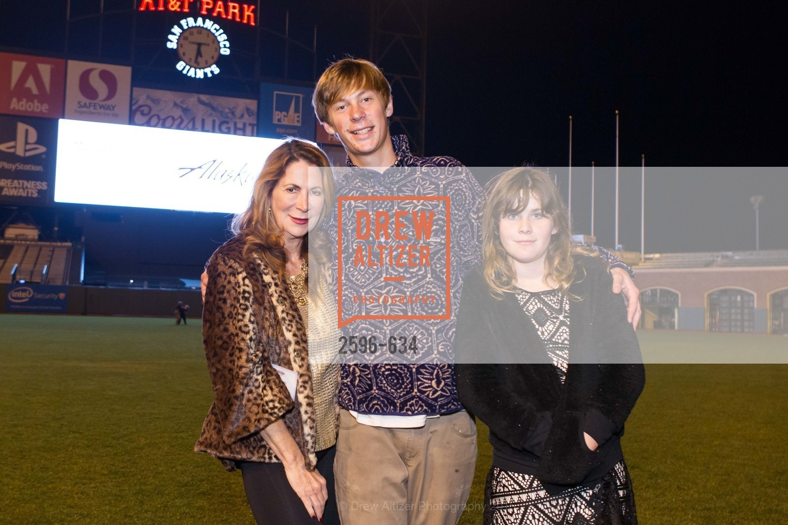 Patricia Ferrin Loucks, Chaz Loucks, Alexandra Loucks, Holiday Heroes 2015, AT&T Park, December 7th, 2015,Drew Altizer, Drew Altizer Photography, full-service agency, private events, San Francisco photographer, photographer california