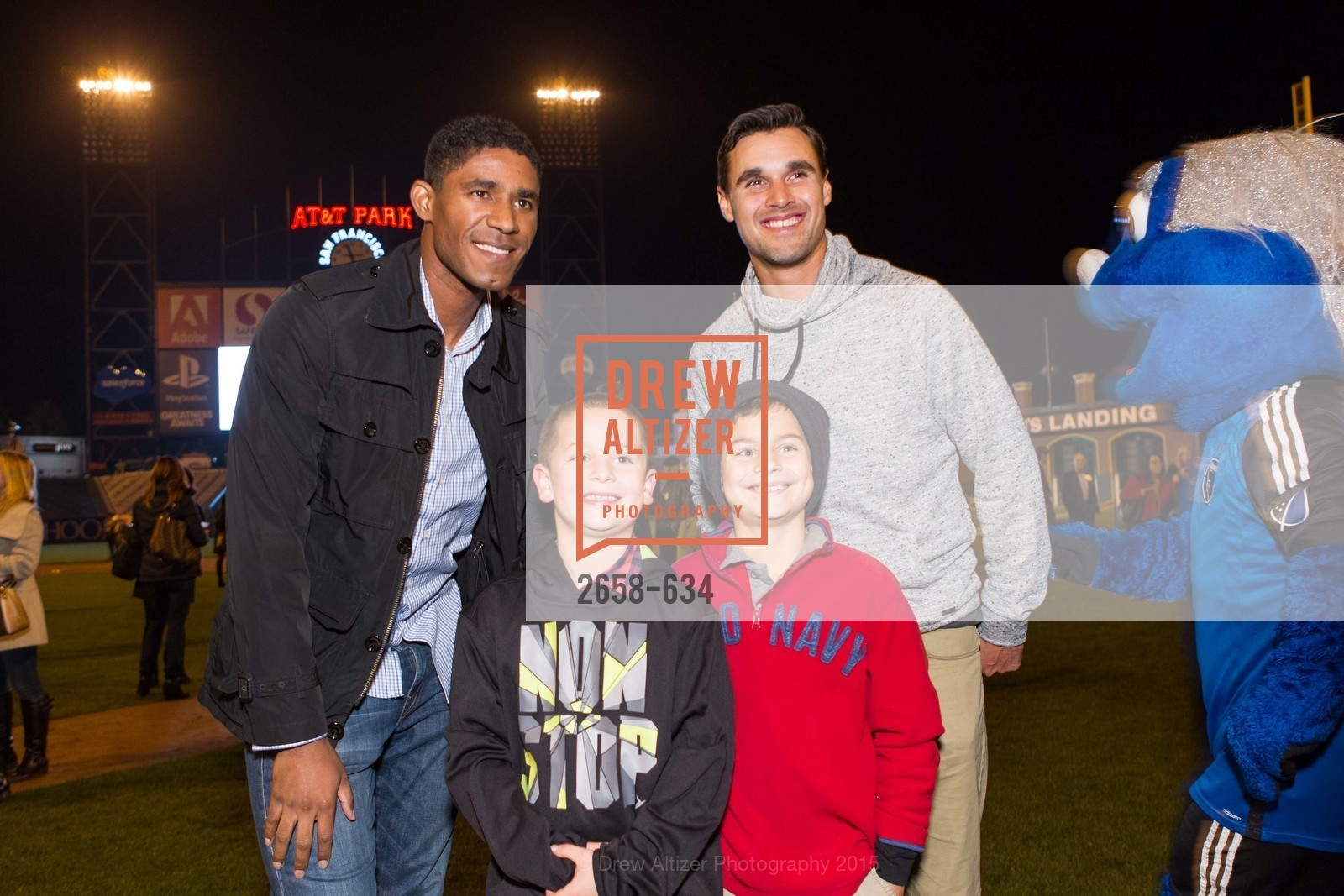 Khari Stephenson, Chris Wondolowski, Holiday Heroes 2015, AT&T Park, December 7th, 2015,Drew Altizer, Drew Altizer Photography, full-service event agency, private events, San Francisco photographer, photographer California