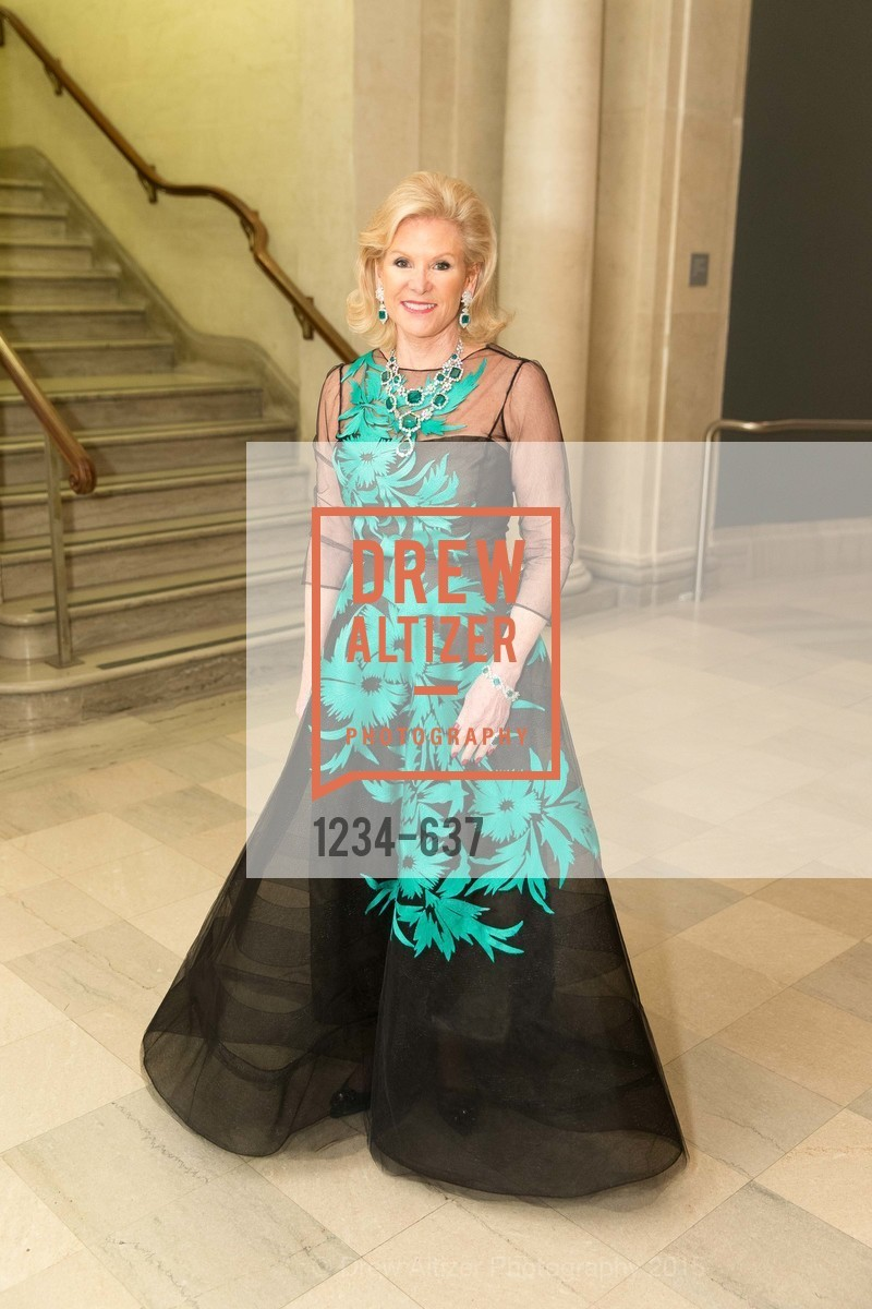 Dede Wilsey, AN ELEGANT EVENING Presented by the Fine Arts Museums of San Francisco, Legion of Honor, Court of Honor. 100 34th Ave, December 8th, 2015,Drew Altizer, Drew Altizer Photography, full-service event agency, private events, San Francisco photographer, photographer California