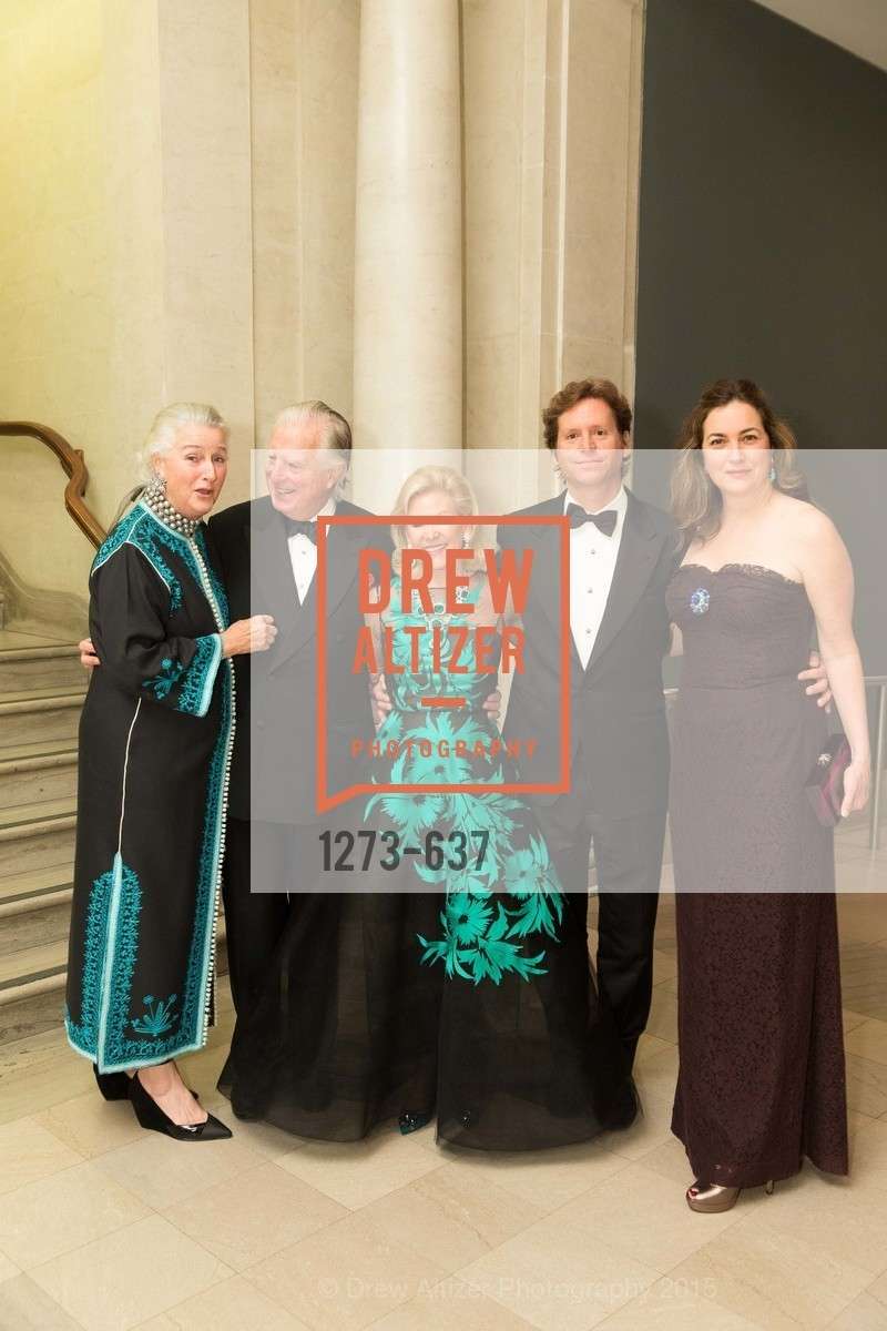 Elizabeth Swanson, Clarke Swanson, Dede Wilsey, Trevor Traina, Alexis Swanson, AN ELEGANT EVENING Presented by the Fine Arts Museums of San Francisco, Legion of Honor, Court of Honor. 100 34th Ave, December 8th, 2015,Drew Altizer, Drew Altizer Photography, full-service agency, private events, San Francisco photographer, photographer california