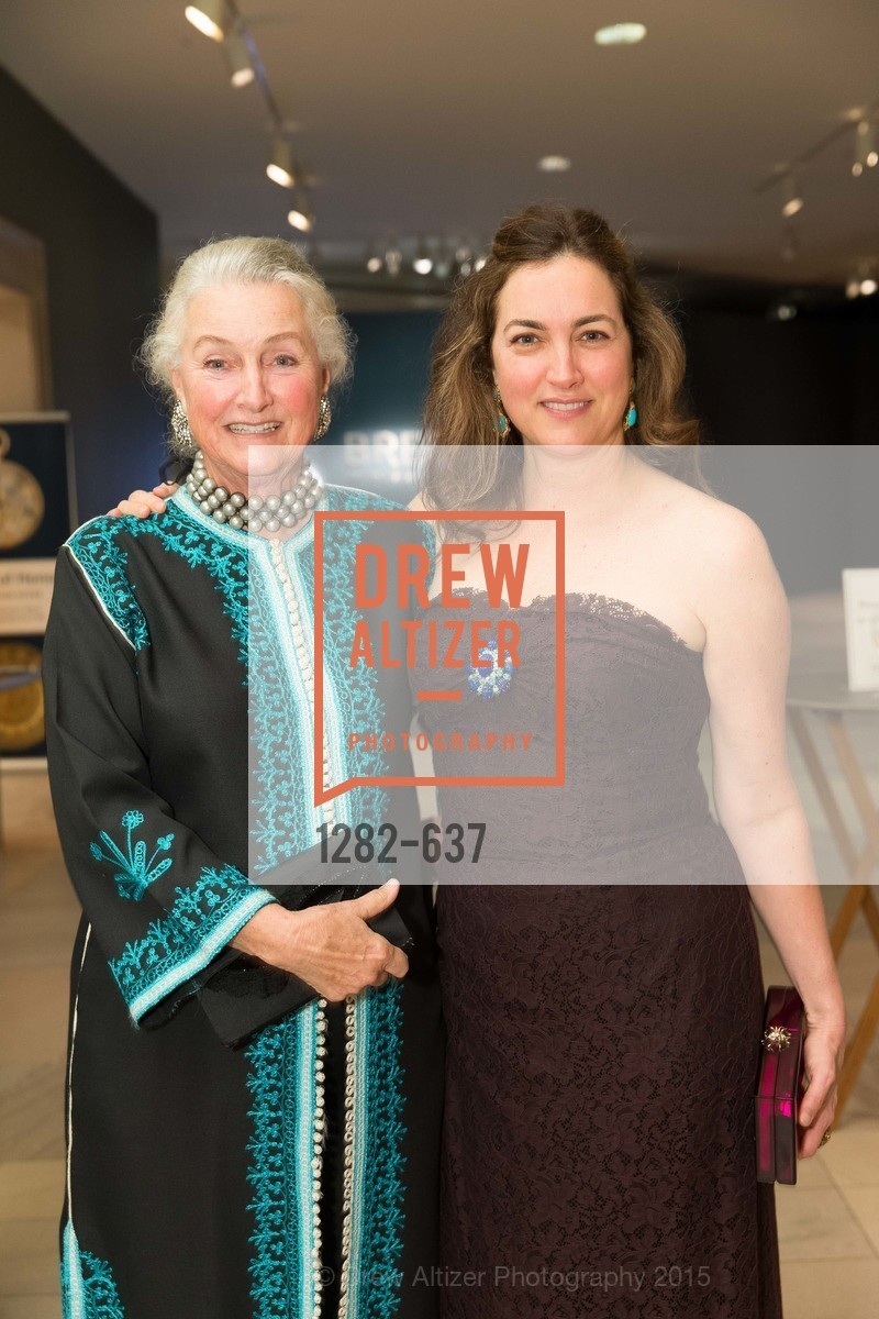 Elizabeth Swanson, Alexis Traina, AN ELEGANT EVENING Presented by the Fine Arts Museums of San Francisco, Legion of Honor, Court of Honor. 100 34th Ave, December 8th, 2015,Drew Altizer, Drew Altizer Photography, full-service agency, private events, San Francisco photographer, photographer california
