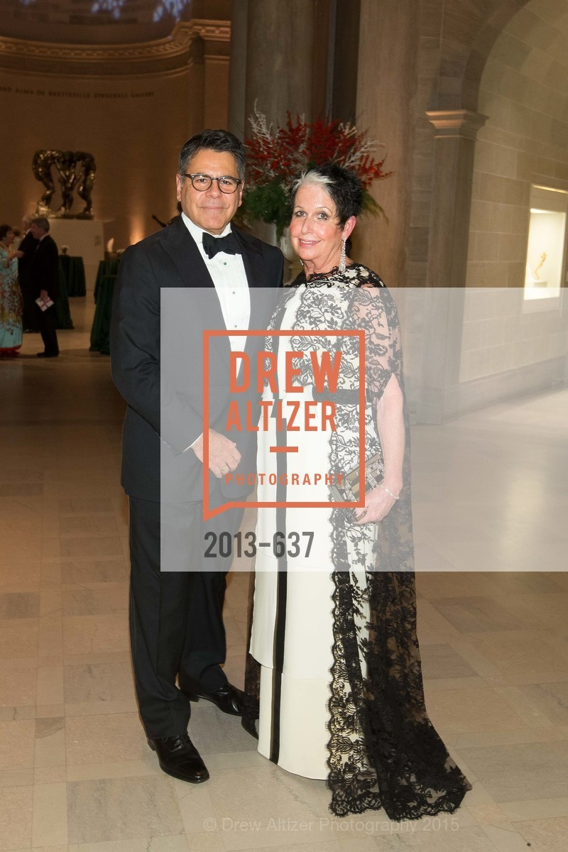 Gary Garebedian, Karen Kubin, AN ELEGANT EVENING Presented by the Fine Arts Museums of San Francisco, Legion of Honor, Court of Honor. 100 34th Ave, December 8th, 2015,Drew Altizer, Drew Altizer Photography, full-service agency, private events, San Francisco photographer, photographer california