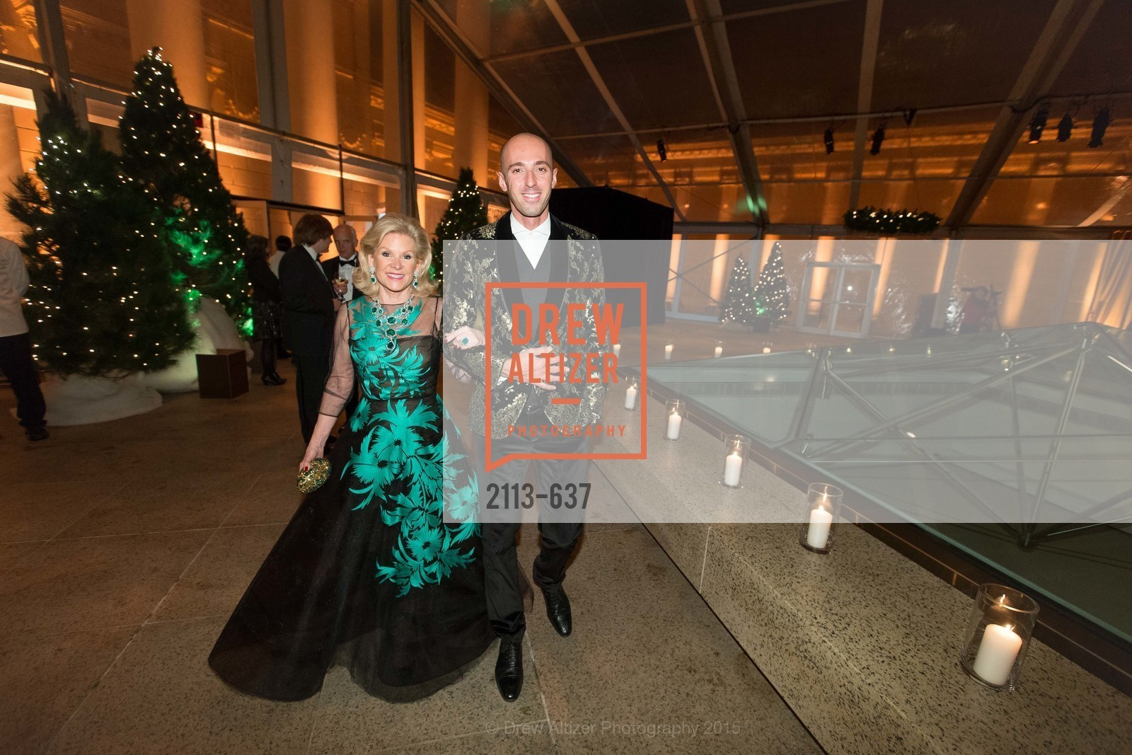 Dede Wilsey, Valerio D'Ambrosio, AN ELEGANT EVENING Presented by the Fine Arts Museums of San Francisco, Legion of Honor, Court of Honor. 100 34th Ave, December 8th, 2015,Drew Altizer, Drew Altizer Photography, full-service agency, private events, San Francisco photographer, photographer california