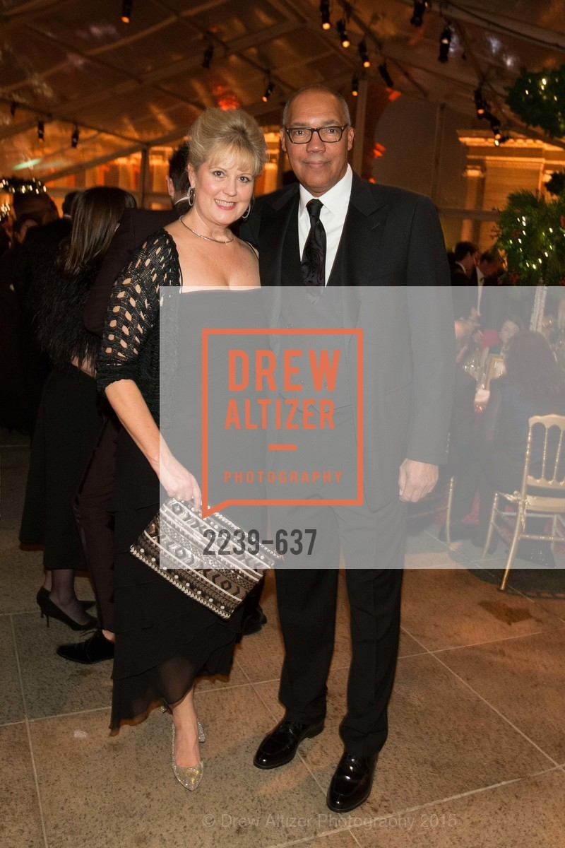KIm Johnson, Dan Johnson, AN ELEGANT EVENING Presented by the Fine Arts Museums of San Francisco, Legion of Honor, Court of Honor. 100 34th Ave, December 8th, 2015,Drew Altizer, Drew Altizer Photography, full-service agency, private events, San Francisco photographer, photographer california