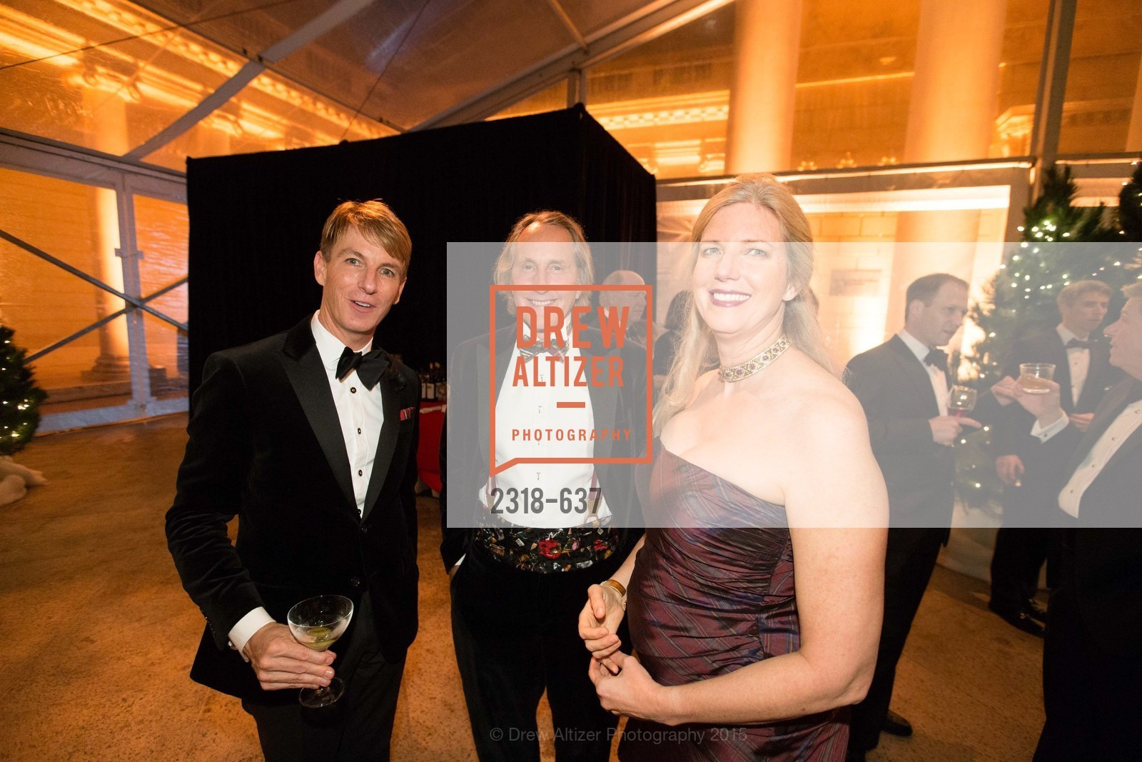 Jack Calhoun, Laney Thornton, Pasha Thornton, AN ELEGANT EVENING Presented by the Fine Arts Museums of San Francisco, Legion of Honor, Court of Honor. 100 34th Ave, December 8th, 2015,Drew Altizer, Drew Altizer Photography, full-service agency, private events, San Francisco photographer, photographer california