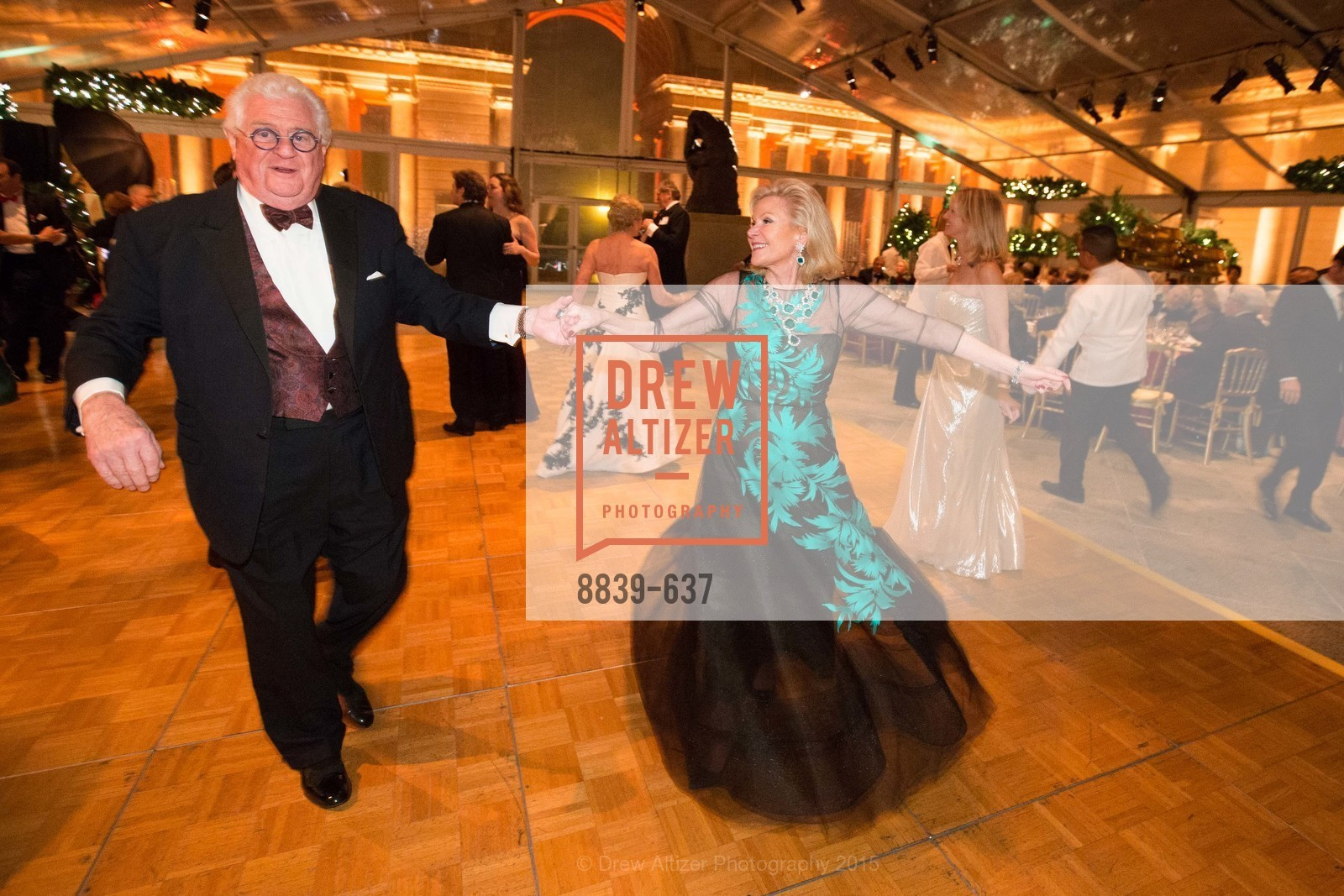 Bob Hill, Dede Wilsey, AN ELEGANT EVENING Presented by the Fine Arts Museums of San Francisco, Legion of Honor, Court of Honor. 100 34th Ave, December 8th, 2015,Drew Altizer, Drew Altizer Photography, full-service agency, private events, San Francisco photographer, photographer california