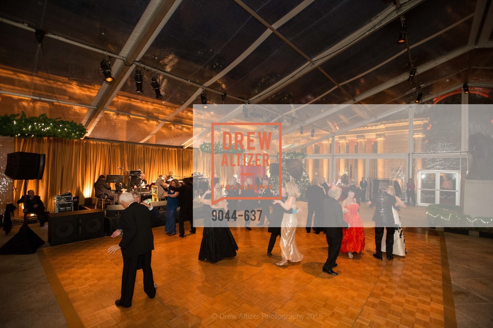 Atmosphere, AN ELEGANT EVENING Presented by the Fine Arts Museums of San Francisco, Legion of Honor, Court of Honor. 100 34th Ave, December 8th, 2015,Drew Altizer, Drew Altizer Photography, full-service agency, private events, San Francisco photographer, photographer california