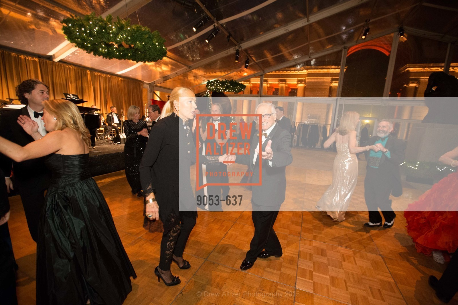 Adria Bini, Dante Bini, AN ELEGANT EVENING Presented by the Fine Arts Museums of San Francisco, Legion of Honor, Court of Honor. 100 34th Ave, December 8th, 2015,Drew Altizer, Drew Altizer Photography, full-service agency, private events, San Francisco photographer, photographer california