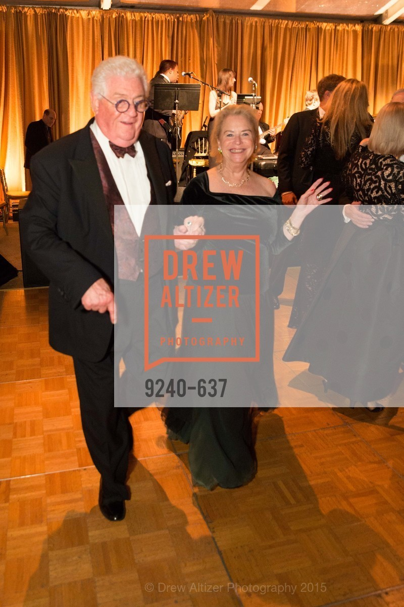 Bob Hill, Connie Hooker, AN ELEGANT EVENING Presented by the Fine Arts Museums of San Francisco, Legion of Honor, Court of Honor. 100 34th Ave, December 8th, 2015,Drew Altizer, Drew Altizer Photography, full-service agency, private events, San Francisco photographer, photographer california