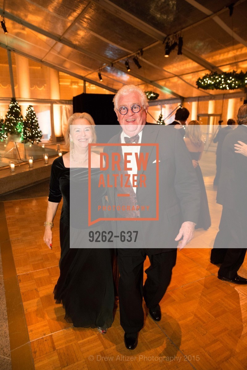 Connie Hooker, Bob Hill, AN ELEGANT EVENING Presented by the Fine Arts Museums of San Francisco, Legion of Honor, Court of Honor. 100 34th Ave, December 8th, 2015,Drew Altizer, Drew Altizer Photography, full-service agency, private events, San Francisco photographer, photographer california