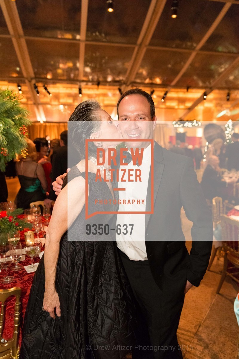 Meriwether McGettigan, Alex Fisher, AN ELEGANT EVENING Presented by the Fine Arts Museums of San Francisco, Legion of Honor, Court of Honor. 100 34th Ave, December 8th, 2015,Drew Altizer, Drew Altizer Photography, full-service agency, private events, San Francisco photographer, photographer california