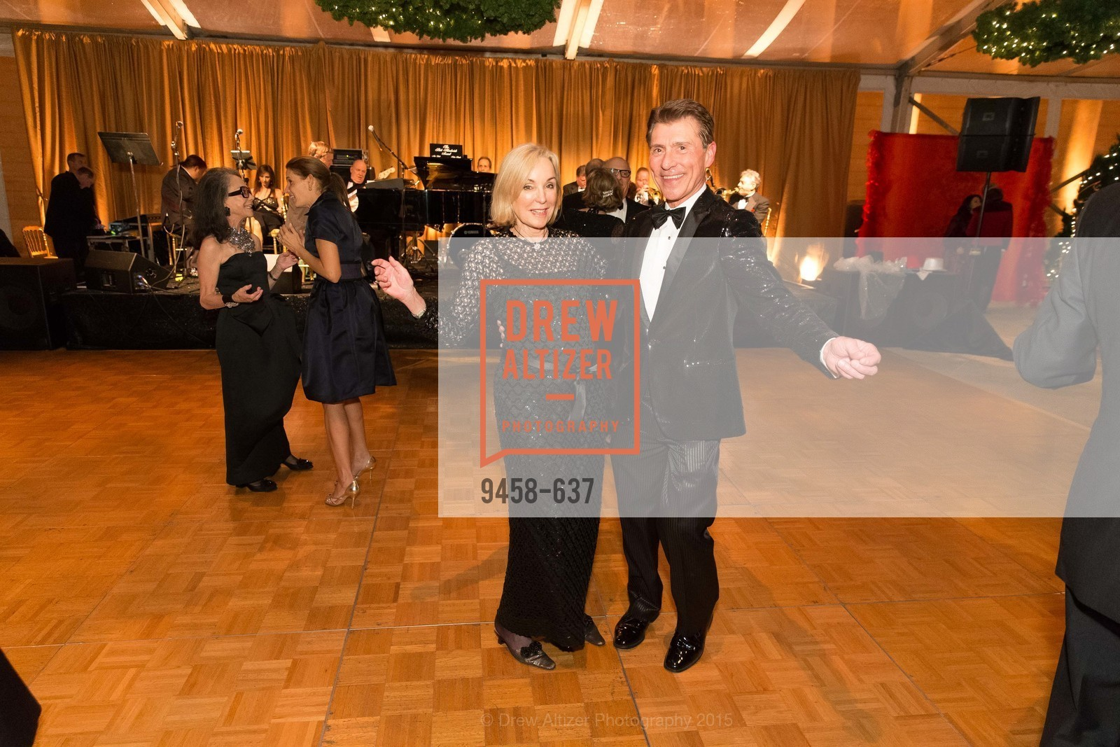 Robert Beadle, AN ELEGANT EVENING Presented by the Fine Arts Museums of San Francisco, Legion of Honor, Court of Honor. 100 34th Ave, December 8th, 2015,Drew Altizer, Drew Altizer Photography, full-service event agency, private events, San Francisco photographer, photographer California
