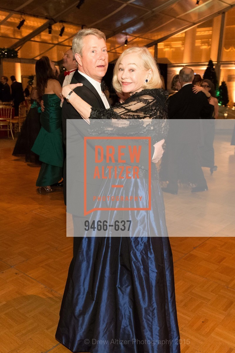 Gretchen Kimball, AN ELEGANT EVENING Presented by the Fine Arts Museums of San Francisco, Legion of Honor, Court of Honor. 100 34th Ave, December 8th, 2015,Drew Altizer, Drew Altizer Photography, full-service agency, private events, San Francisco photographer, photographer california