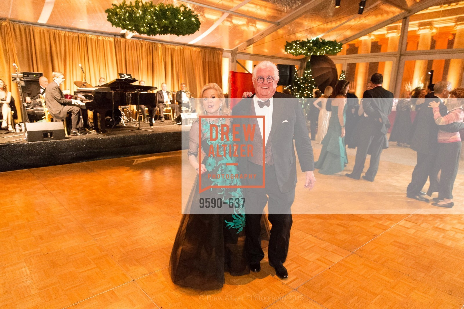 Dede Wilsey, Bob Hill, AN ELEGANT EVENING Presented by the Fine Arts Museums of San Francisco, Legion of Honor, Court of Honor. 100 34th Ave, December 8th, 2015,Drew Altizer, Drew Altizer Photography, full-service event agency, private events, San Francisco photographer, photographer California