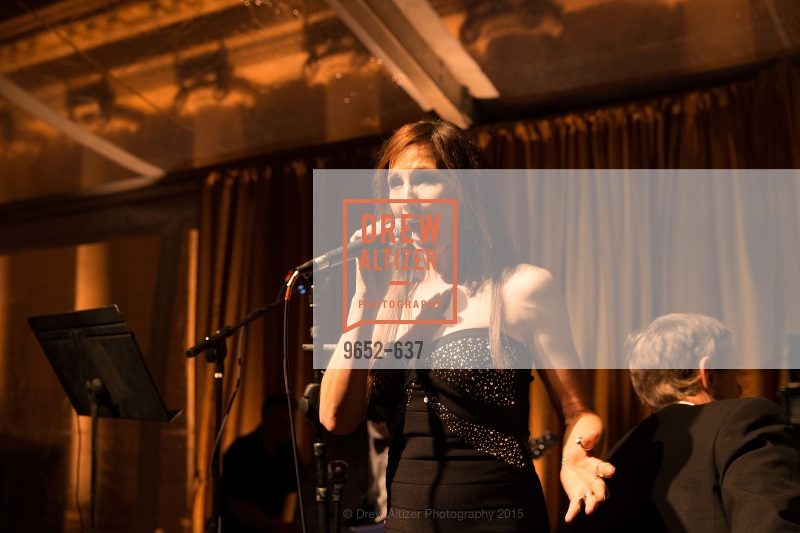 Performance, AN ELEGANT EVENING Presented by the Fine Arts Museums of San Francisco, Legion of Honor, Court of Honor. 100 34th Ave, December 8th, 2015,Drew Altizer, Drew Altizer Photography, full-service agency, private events, San Francisco photographer, photographer california