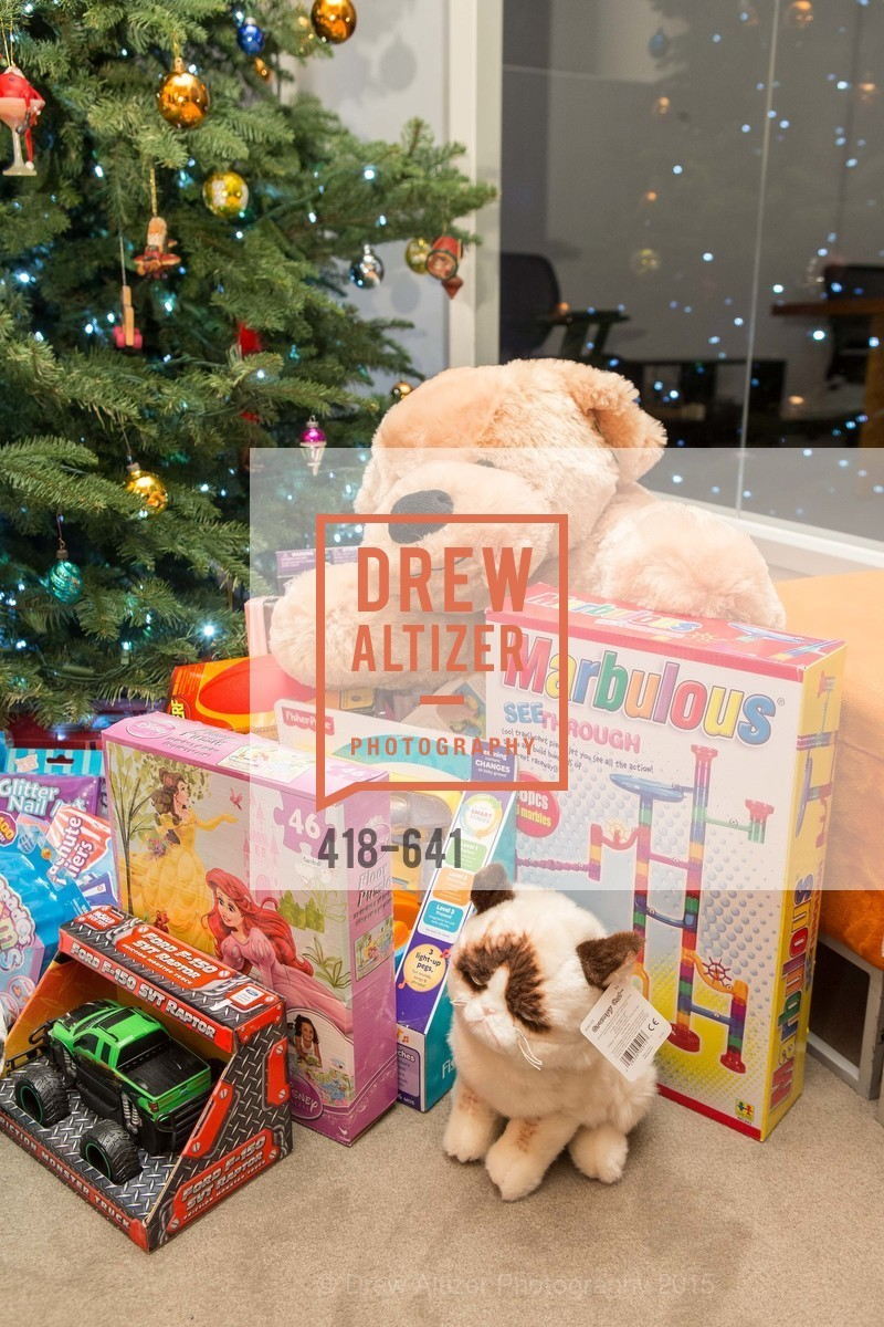 Atmosphere, Savonix Launch Celebration and Toys for Tots Benefit, Savonix. 300 Broadway, Suite 14, December 10th, 2015,Drew Altizer, Drew Altizer Photography, full-service agency, private events, San Francisco photographer, photographer california