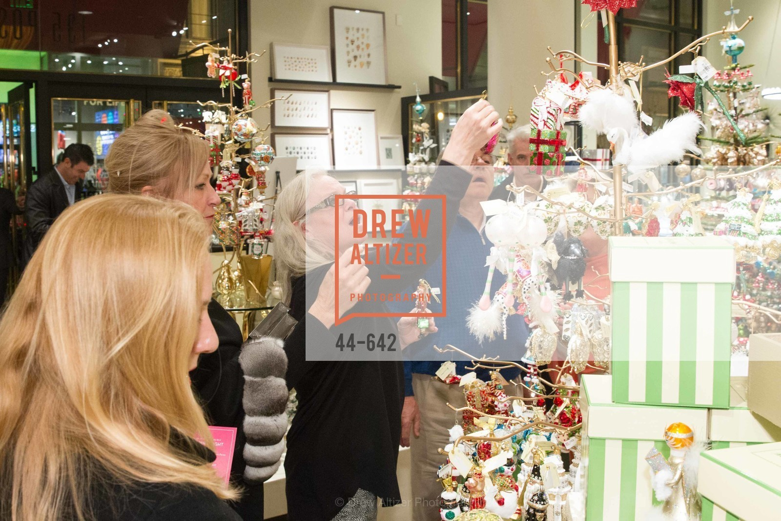 Melissa Byrne, Private Holiday Shopping Night presented by Gump's and Domino magazine, Gump's. 135 Post Street, December 10th, 2015,Drew Altizer, Drew Altizer Photography, full-service agency, private events, San Francisco photographer, photographer california