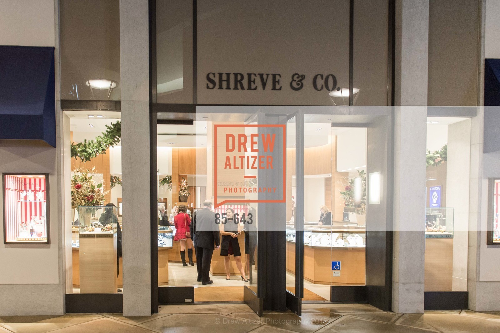 Atmosphere, Shreve & Co & Holiday Event, Shreve & Co. 329 Stanford Shopping Center, December 10th, 2015,Drew Altizer, Drew Altizer Photography, full-service agency, private events, San Francisco photographer, photographer california