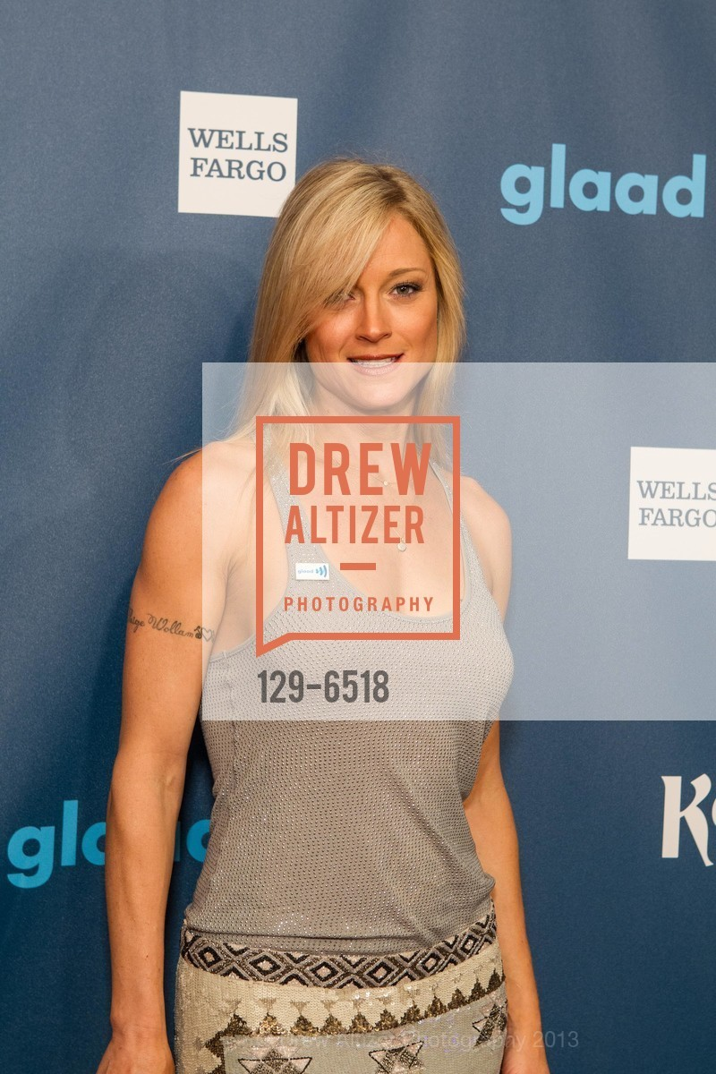 official photos 1c544 0f36c Teri Polo at GLAAD Media Awards RED CARPET