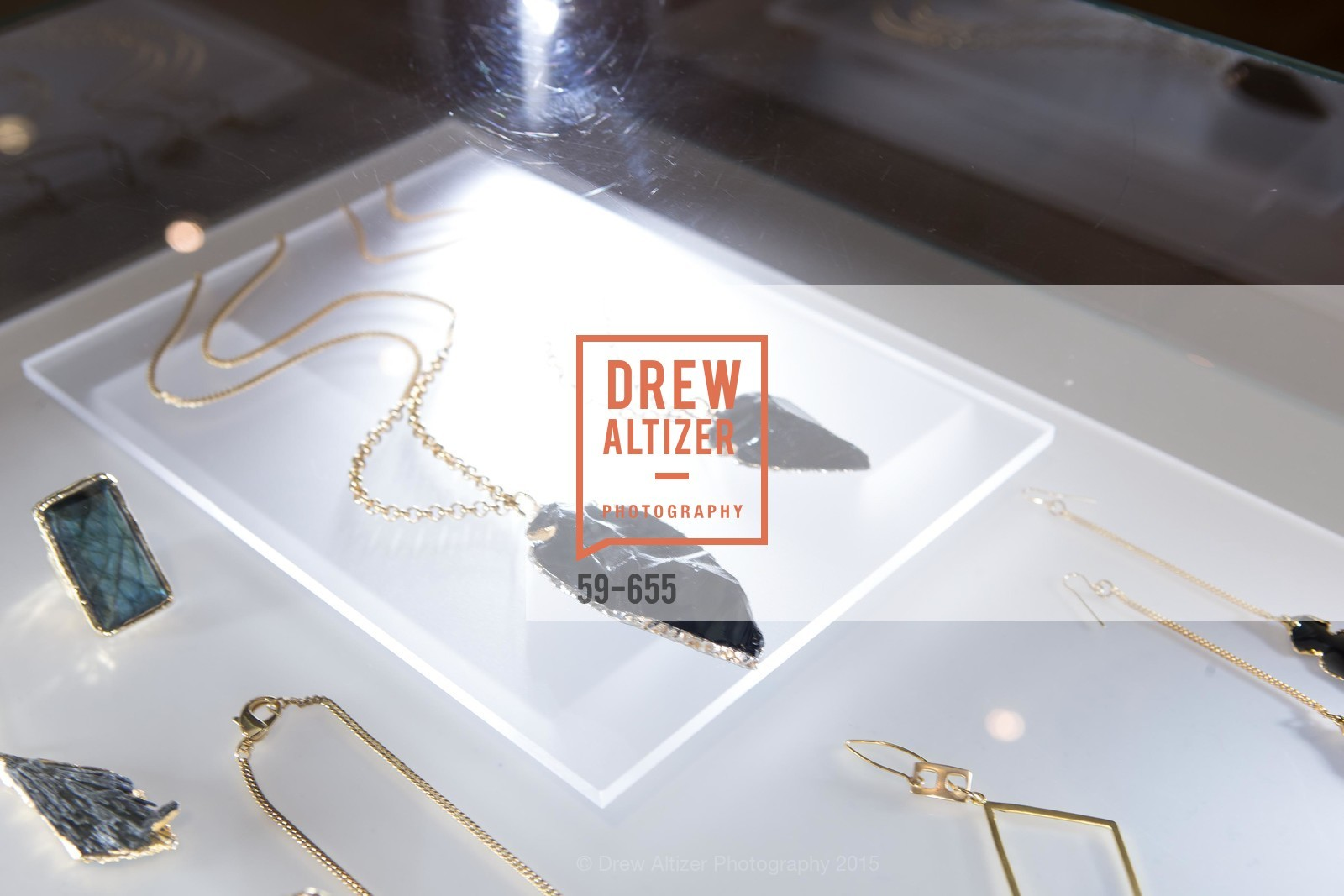 Atmosphere, Silver Belles Soirée at Stuart Moore, Stuart Moore Gallery of Designer Jewelry. 1898 Union Street, December 17th, 2015,Drew Altizer, Drew Altizer Photography, full-service agency, private events, San Francisco photographer, photographer california
