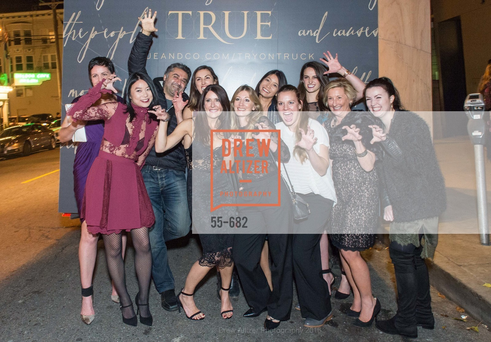 True And Co Group Photo, Michelle Lam hosts the launch of True&Co.'s Try-on Truck National Tour, MatrixFillmore. 3138 Fillmore, January 12th, 2016,Drew Altizer, Drew Altizer Photography, full-service agency, private events, San Francisco photographer, photographer california